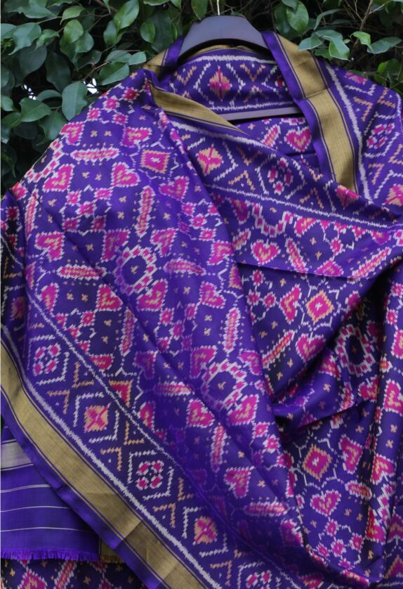 HANDWOVEN ROYAL BLUE SINGLE IKAT RAJKOT DUPATTA