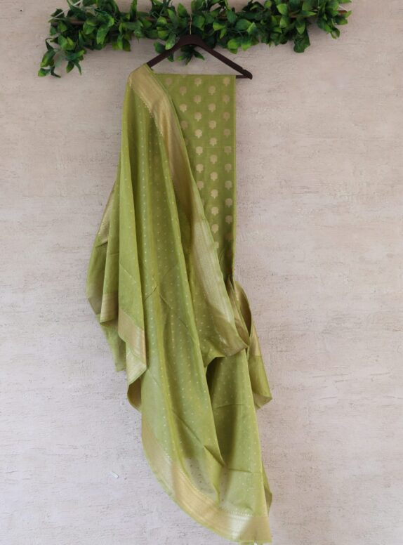 HANDWOVEN MEHANDI GREEN BANARASI SILK SUIT SET