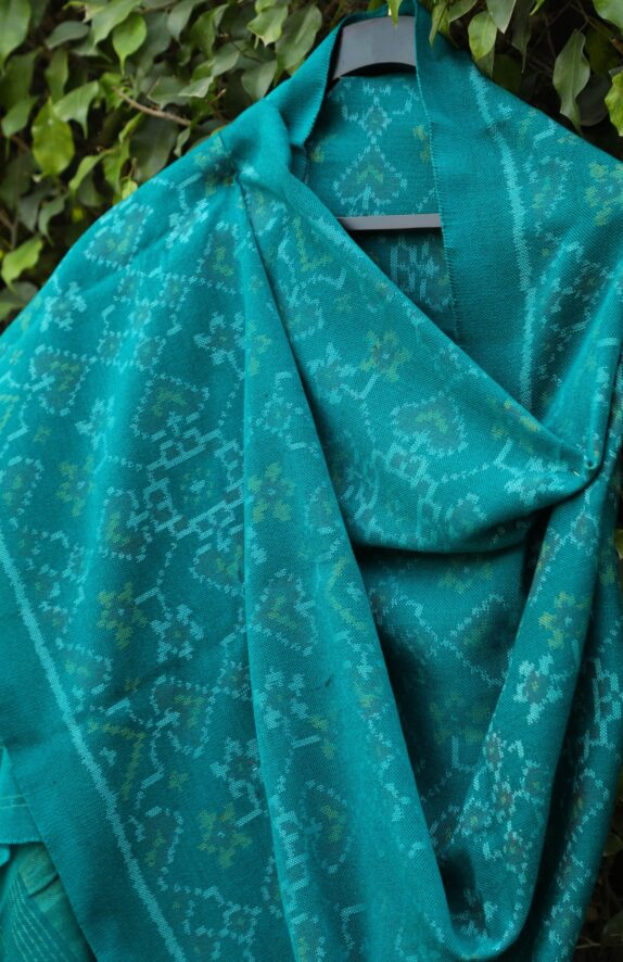 HANDWOVEN SEA GREEN SINGLE IKAT RAJKOT WOOLEN SHAWL