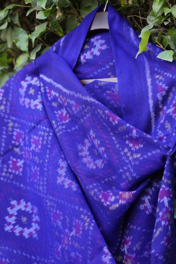HANDWOVEN INK BLUE SINGLE IKAT RAJKOT WOOLEN SHAWL