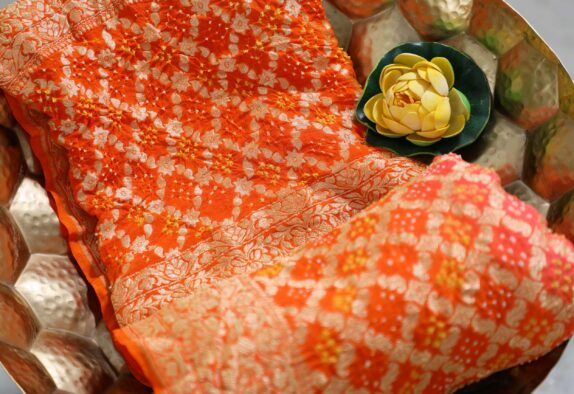 HANDWOVEN SUNRISE ORANGE BANDHANI DUPATTA
