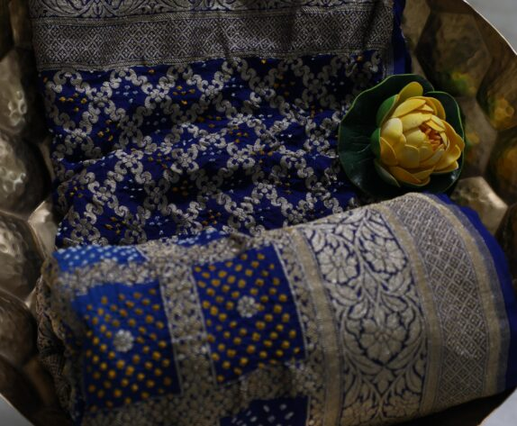 HANDWOVEN ROYAL BLUE BANDHANI DUPATTA
