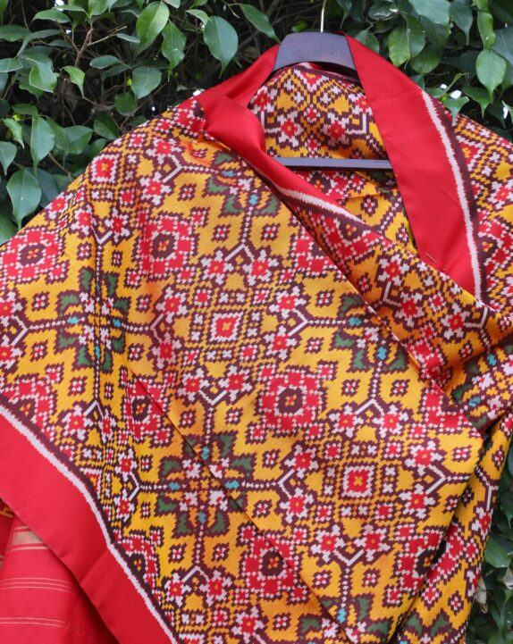 HANDWOVEN MUSTARD & CRIMSON RED SINGLE IKAT PATAN PATOLA DUPATTA